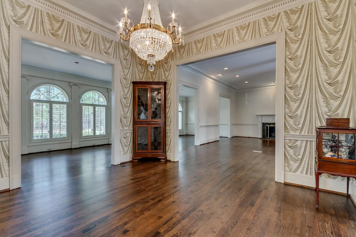 Beautiful two acre estate luxury homes