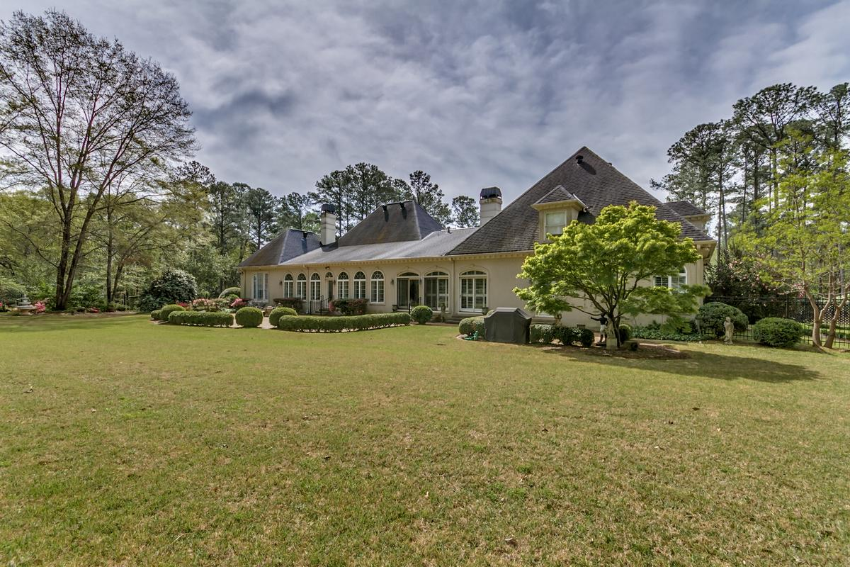 Mansions in Beautiful two acre estate