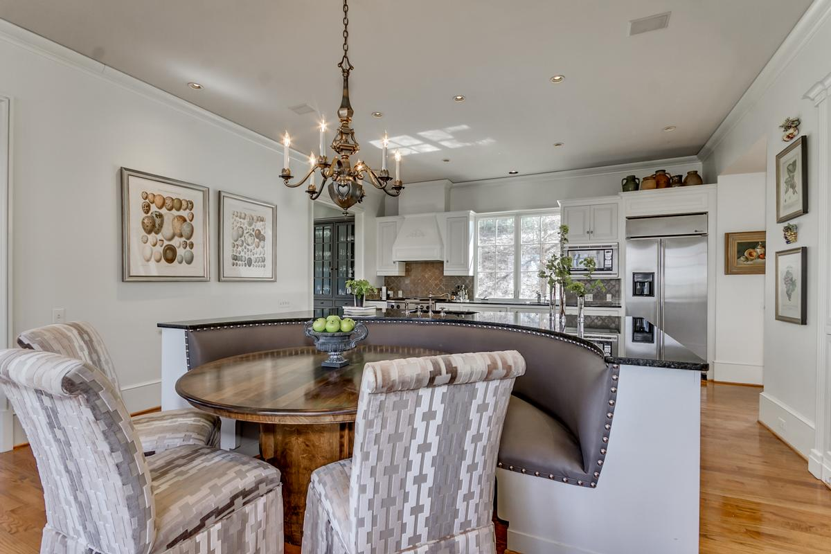 Luxury real estate 6841 Cutter Court