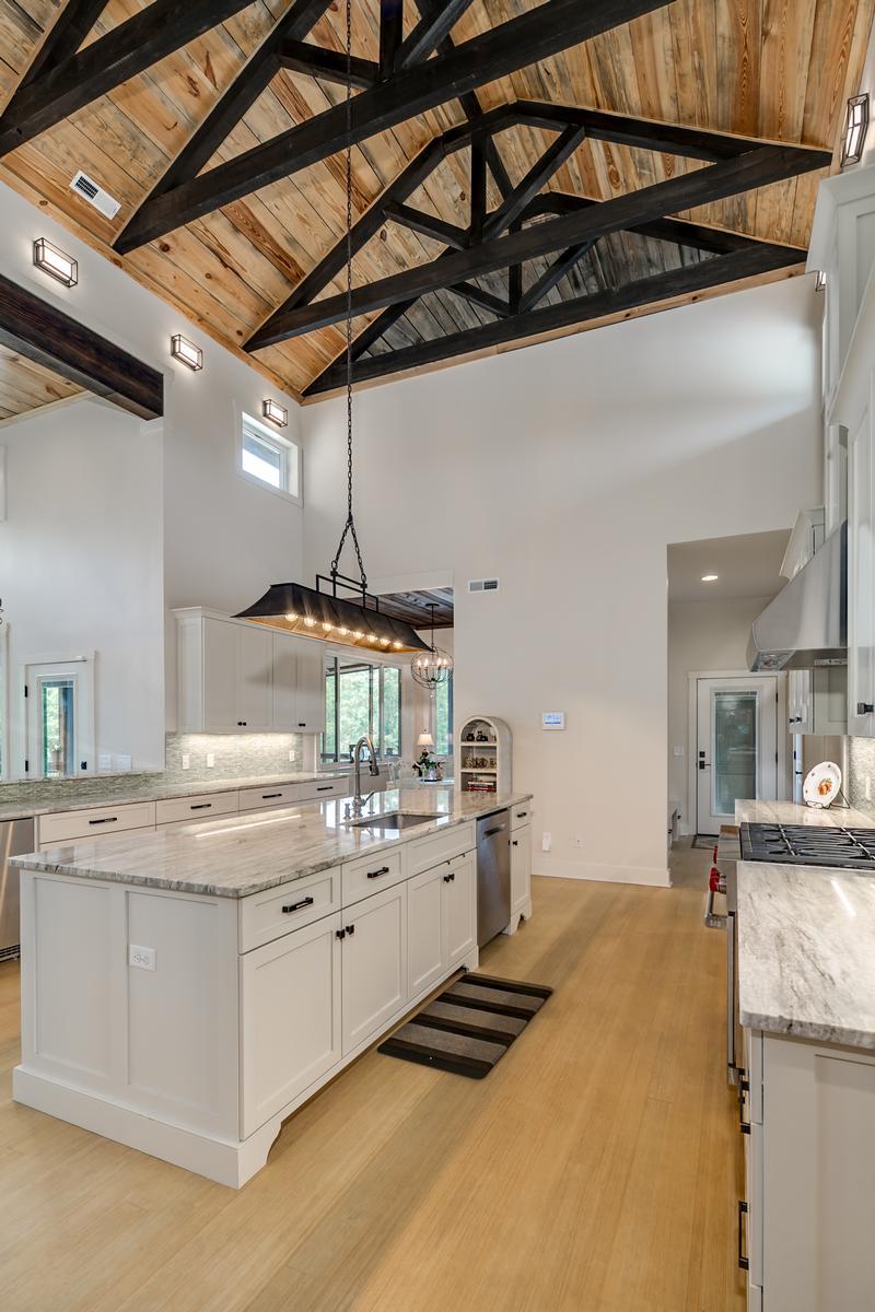 Luxury real estate 15128 Highland Ridge
