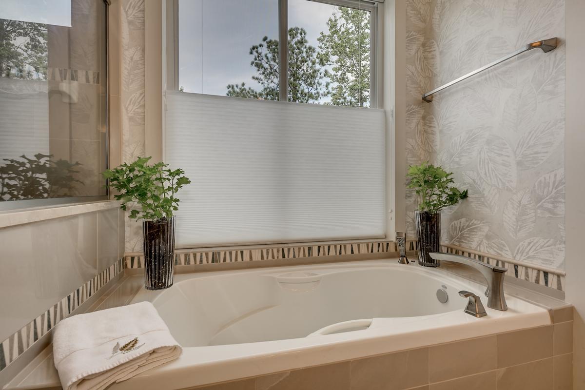 Luxury homes 15128 Highland Ridge