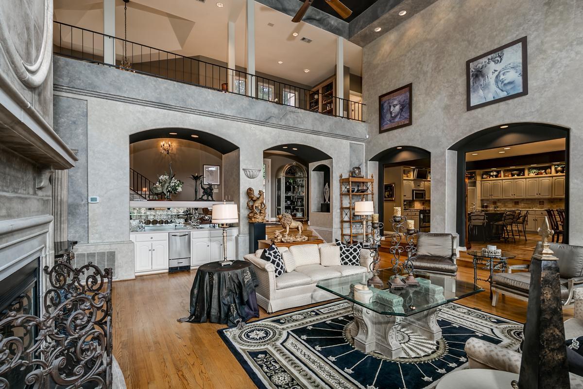 Luxury homes in 6821 Jade Point