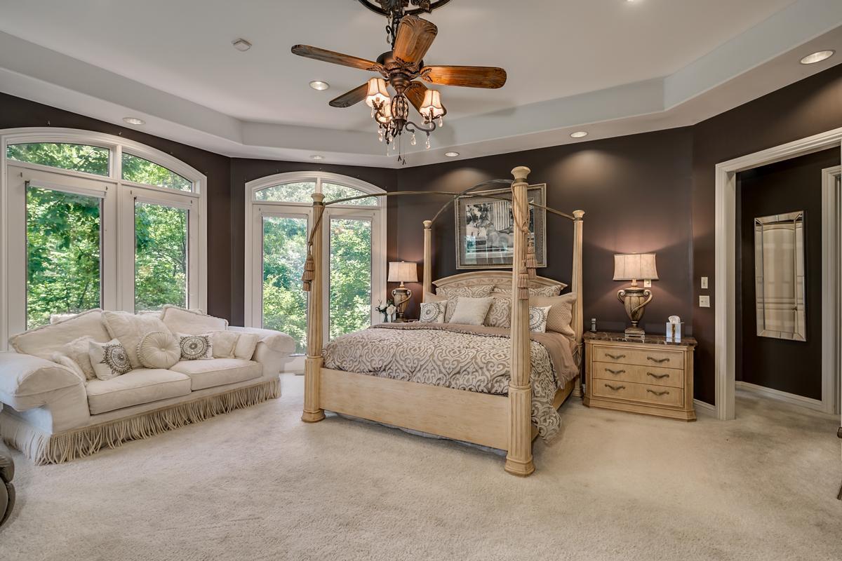Luxury homes 6821 Jade Point