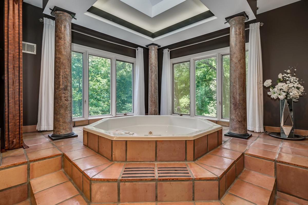 6821 Jade Point luxury real estate