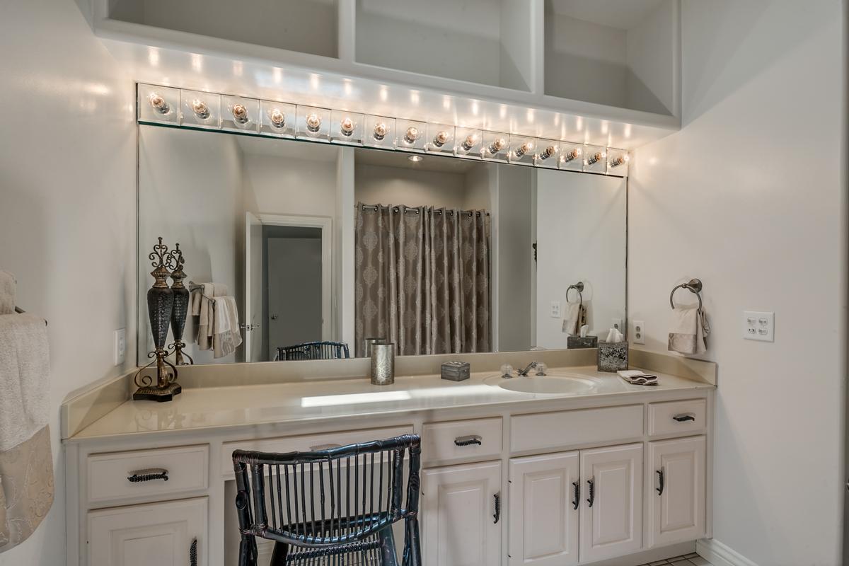 6821 Jade Point luxury homes