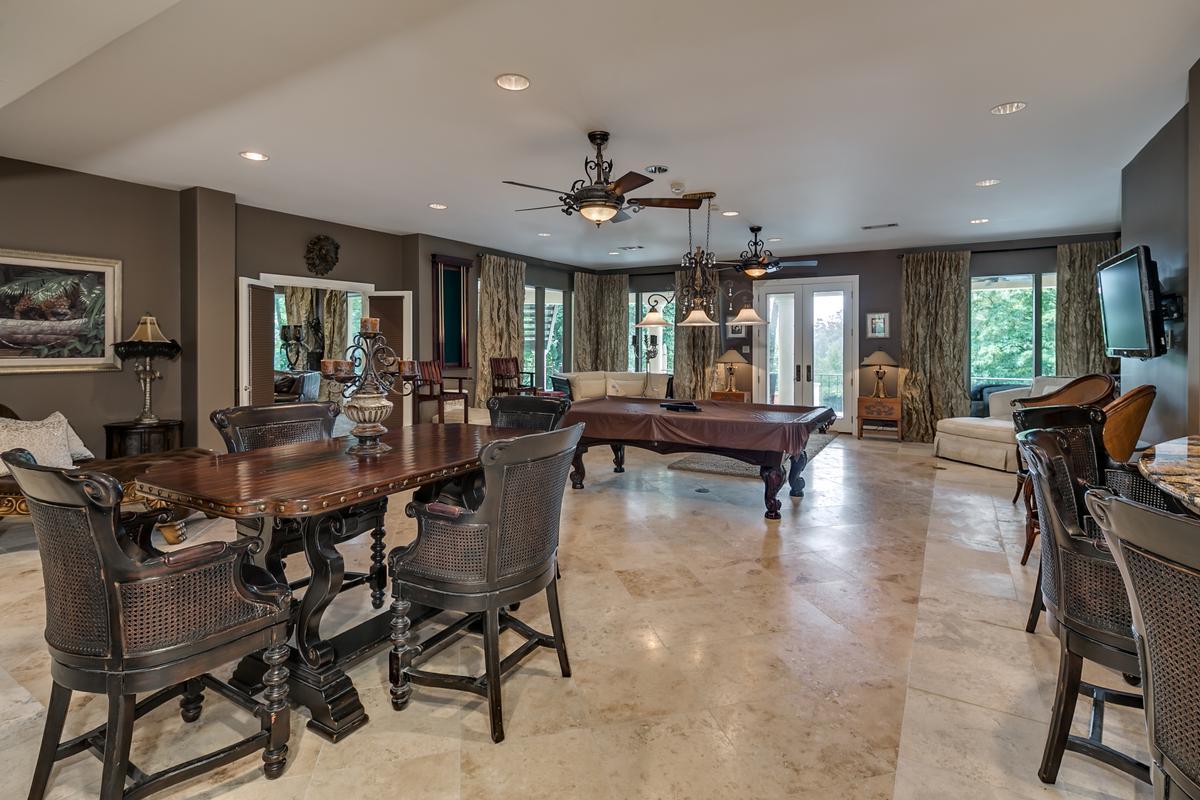 6821 Jade Point luxury properties