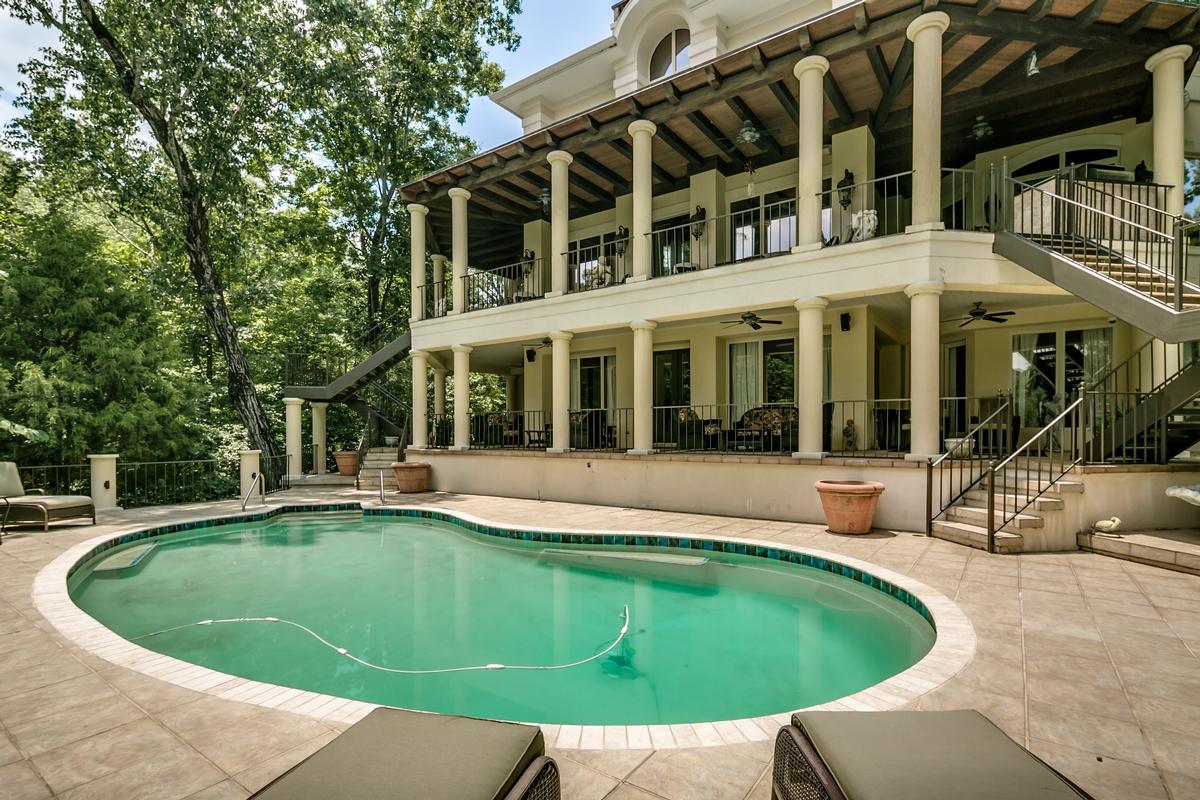 Luxury real estate 6821 Jade Point