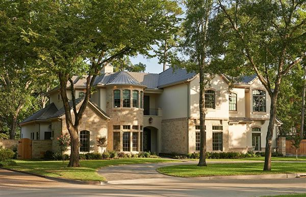 Luxury homes Stunning traditional home