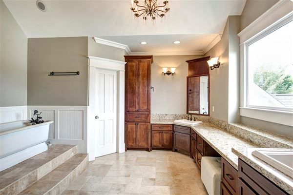 Mansions in very special fully renovated home
