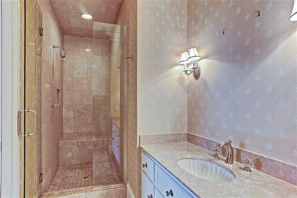 gracious Southern plantation design luxury real estate
