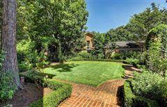gracious Southern plantation design luxury homes