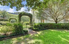 Luxury real estate gracious Southern plantation design