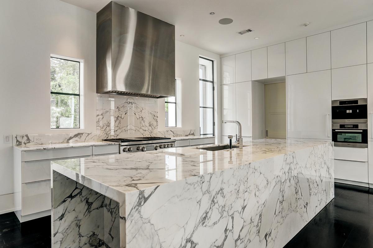 Luxury homes in 5330 Cherokee
