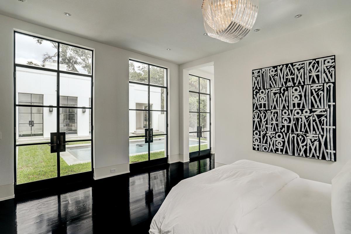 Luxury homes 5330 Cherokee