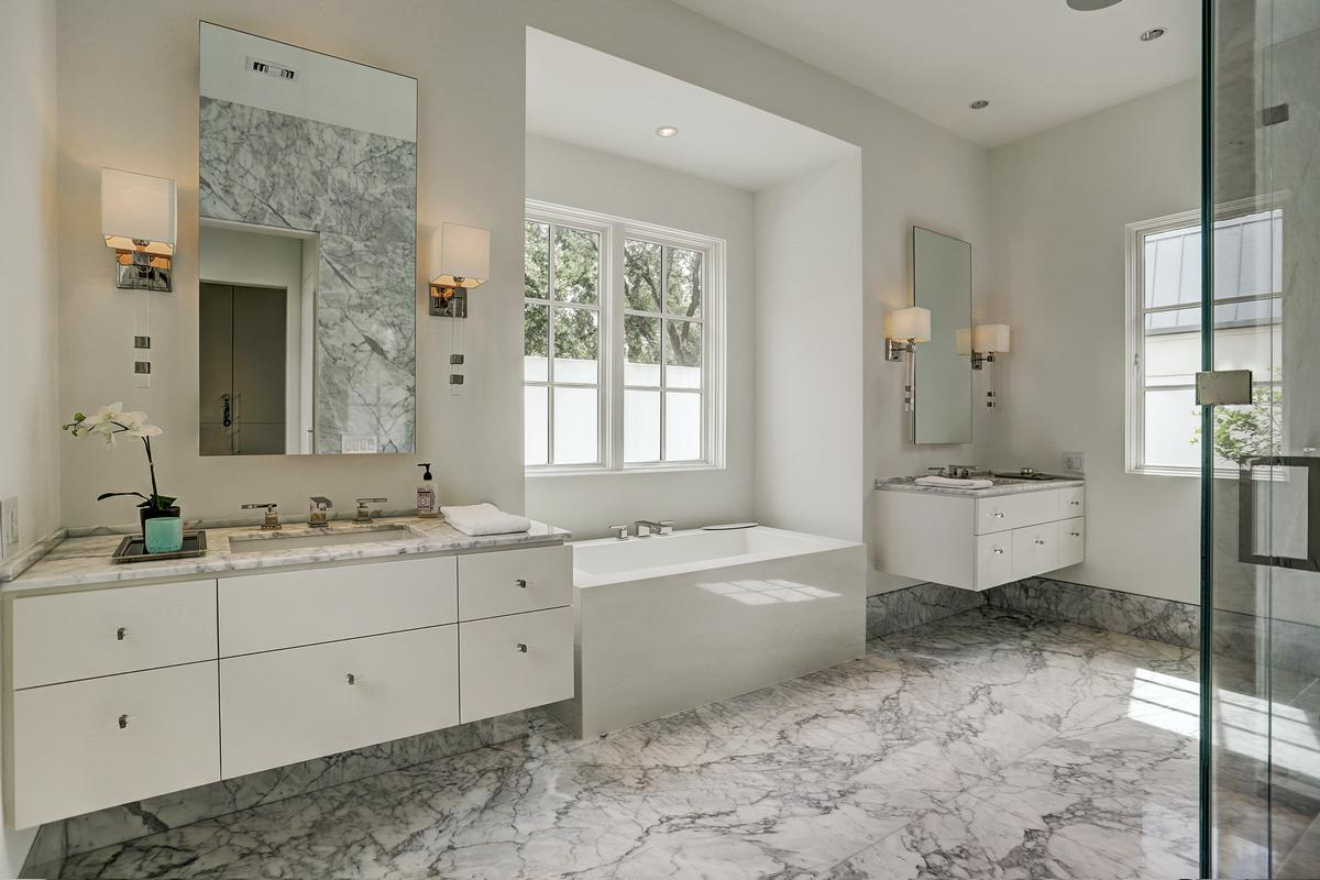 Luxury real estate 5330 Cherokee