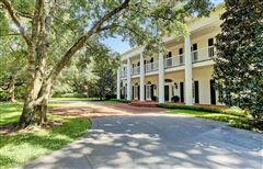 Luxury real estate gracious Southern plantation style