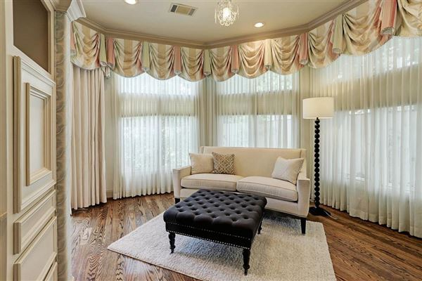 Luxury homes Elegant home in Piney Point Village