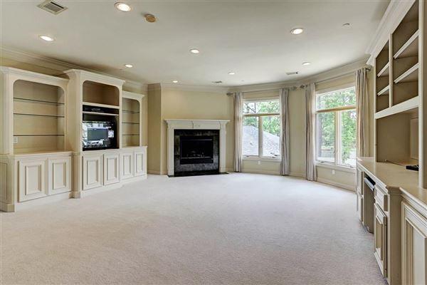 Elegant home in Piney Point Village luxury properties