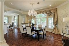 Elegant home in Piney Point Village mansions