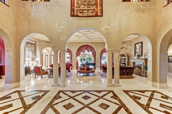 Luxury real estate Exquisite custom waterfront estate