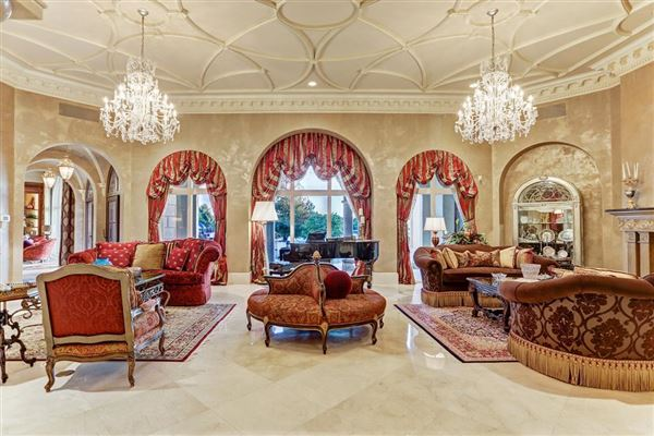 Exquisite custom waterfront estate luxury real estate