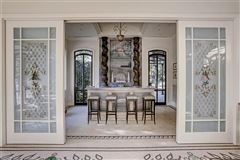 gorgeous one-of-a-kind property luxury homes