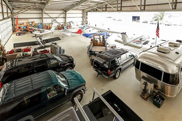 Luxury homes custom hangar house - finest in aviation lifestyle