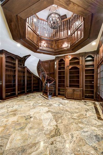 sprawling mansion in desirable Rivercrest luxury properties