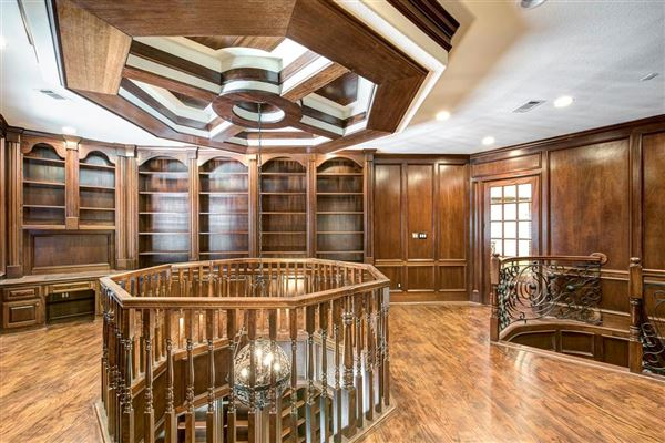 Mansions sprawling mansion in desirable Rivercrest