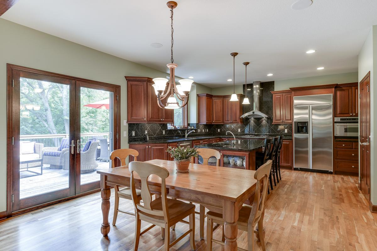 Luxury homes Conveniently Located Three Acres of Privacy