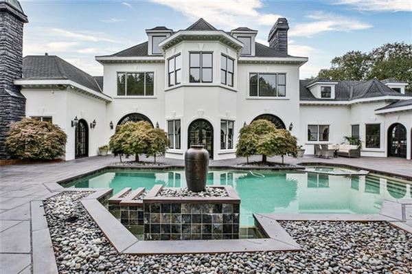 eight-acre Equestrian Estate on the Chattahoochee River luxury real estate