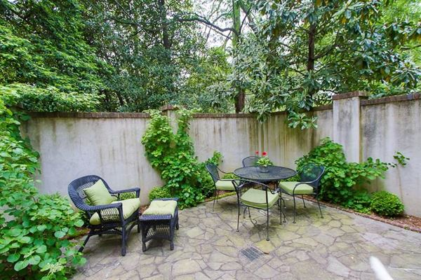 Mansions in remodeled Historic Brookhaven home