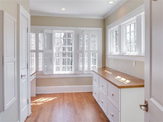 Luxury homes in ultimate in privacy in Historic Druid Hills