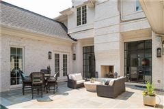 Luxury homes in Stunning transitional style home