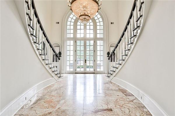Luxury homes eight acre Equestrian Estate on the Chattahoochee River