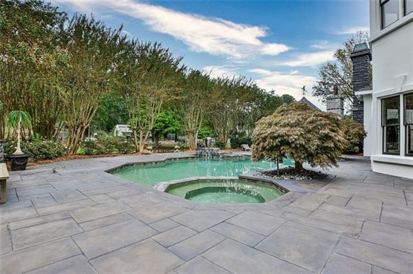 Luxury properties eight acre Equestrian Estate on the Chattahoochee River