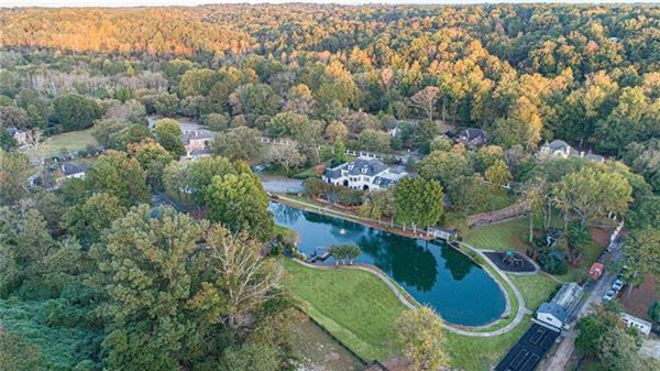 Mansions eight acre Equestrian Estate on the Chattahoochee River