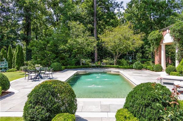 a magnificent estate in premier tuxedo park mansions