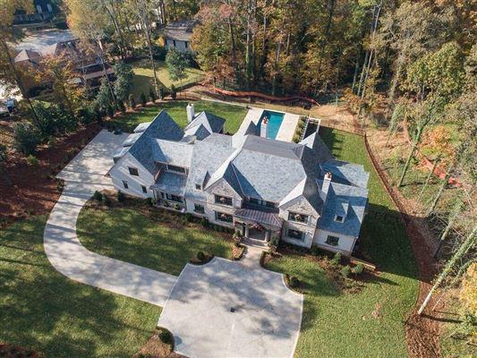 Luxury homes in Fabulous new estate home in atlanta