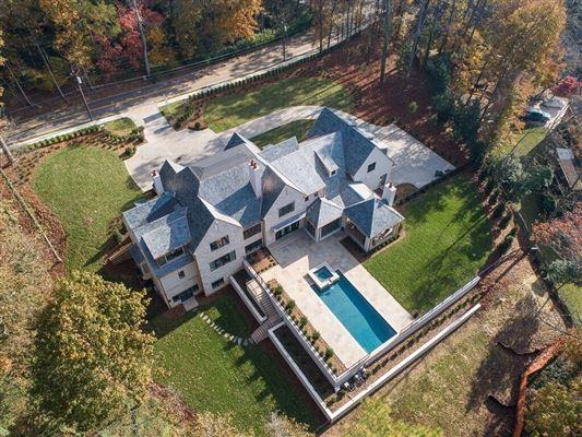 Mansions in Fabulous new estate home in atlanta