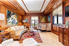 Luxury homes in one-of-a-kind residence above the St Regis Atlanta Hotel