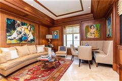 Mansions in one-of-a-kind residence above the St Regis Atlanta Hotel