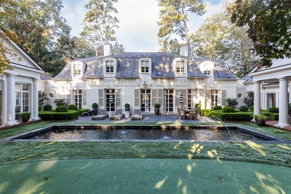 Mansions in Extraordinary French Pavilion Neoclassical Manor