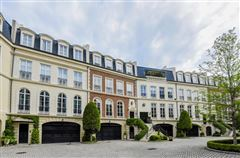 Luxury homes townhome Modeled after Place de vogue in Paris