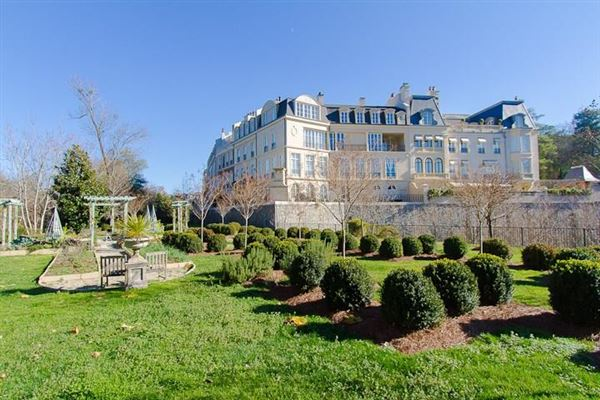 Mansions townhome Modeled after Place de vogue in Paris