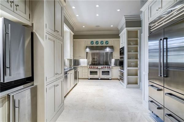 White Oaks - exceptional gated estate luxury homes