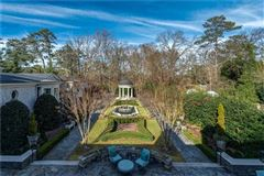Luxury properties White Oaks - exceptional gated estate