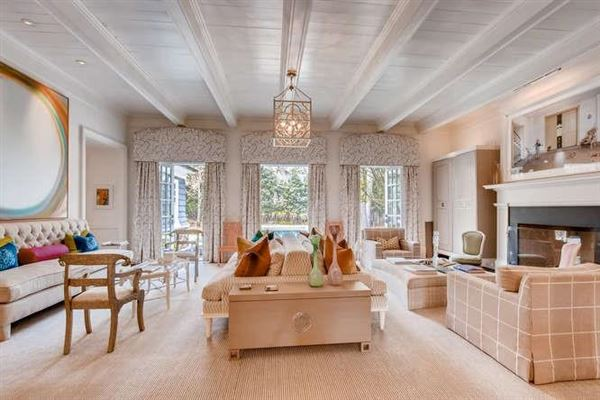Luxury real estate One of the most charming estates in Buckhead