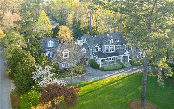 One of the most charming estates in Buckhead luxury properties