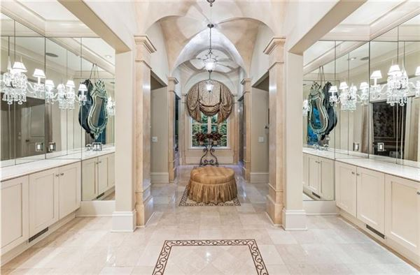 magnificent english manor in premier Tuxedo Park mansions